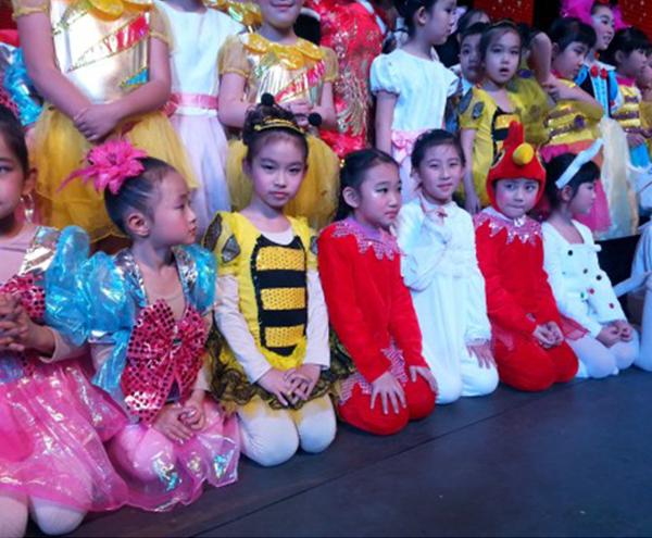 大陆阳光2014年唐山市第三届春节联欢晚会----《动物狂欢节》